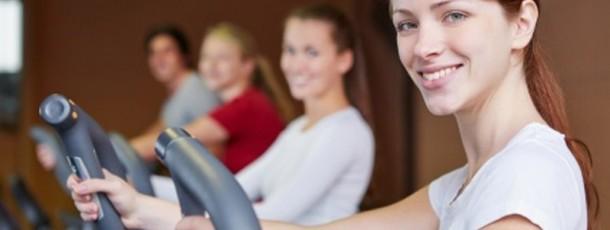 So fühlen sie sich beim Crosstrainer Training im Fitness-Studio stylisch und trendy